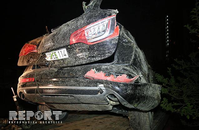 """""""Audi"""" aşdı, 3 nəfər yaralandı"""