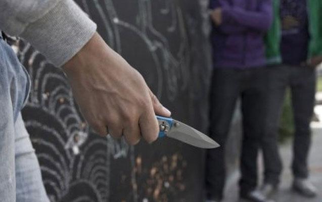 Bakıda 28 yaşlı oğlan bıçaqlandı