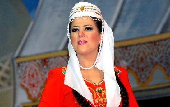 49 yaşlı xalq artisti ərə gedir