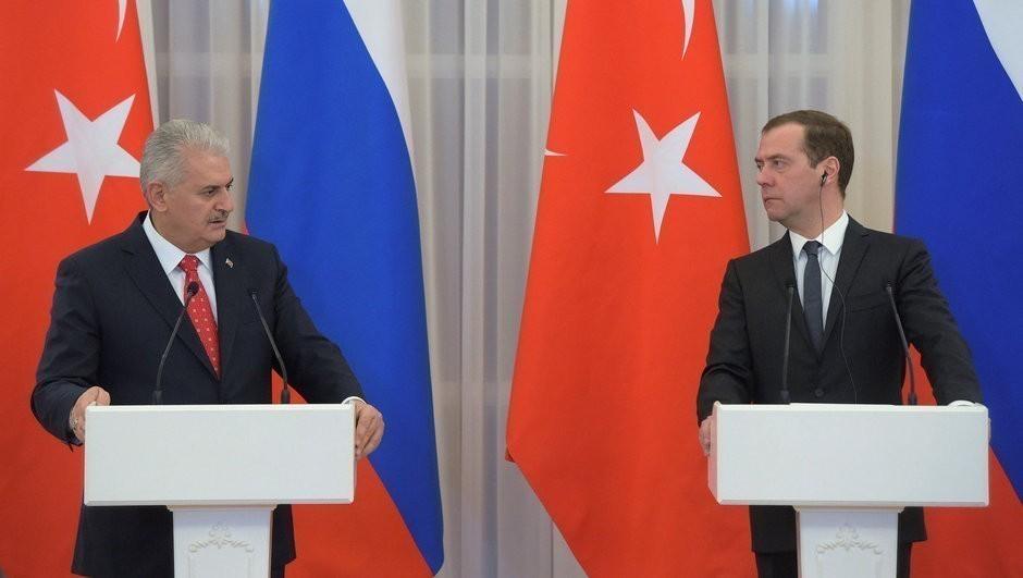 Medvedev Türkiyəyə gedir