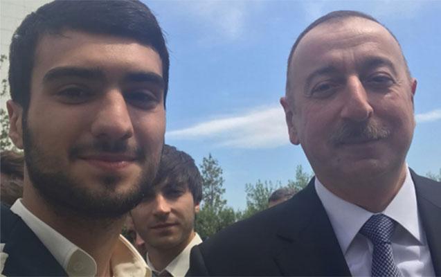 İlham Əliyev qalib idmançılarla görüşür