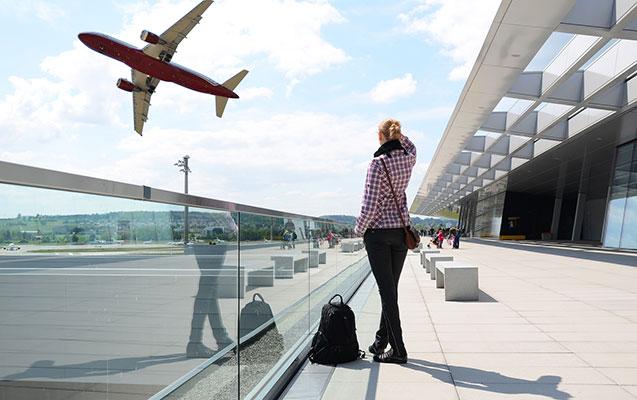 İsrailli qadın Bakı aeroportunda saxlanıldı