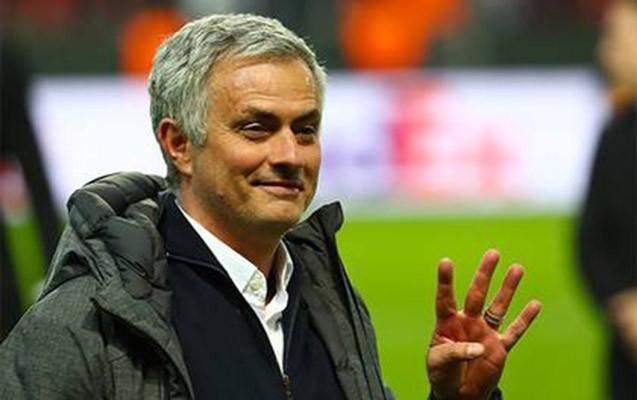 Mourinyo daha 15 il meydanlarda olacaq