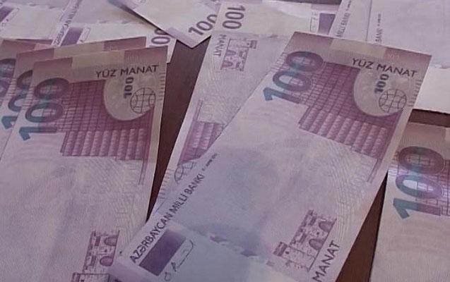 Saxta 100 manatlıqlar satarkən tutuldu