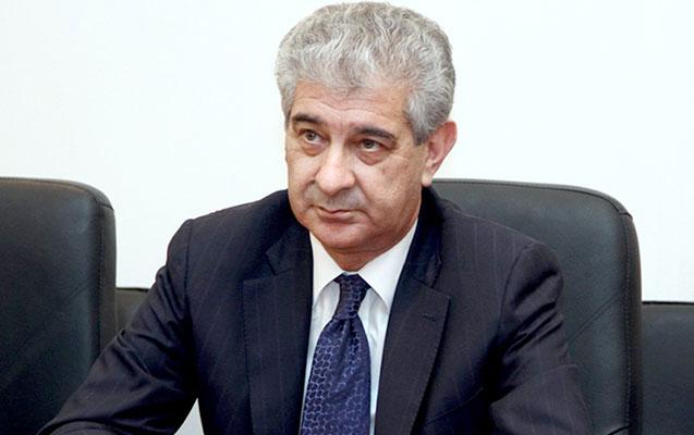 """""""İlham Əliyevin prezident seçilmək şansı yüksəkdir"""" - Əli Əhmədov"""
