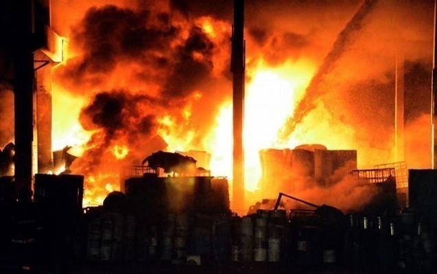 Ankarada boya fabrikində güclü yanğın olub