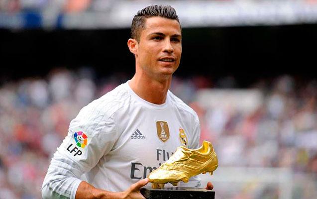 Ronaldo mükafatını terror qurbanlarının ailələrinə bağışladı