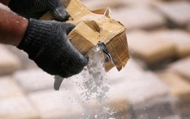 Kişidən 40 qram, sevgilisindən 1 kq heroin tapıldı