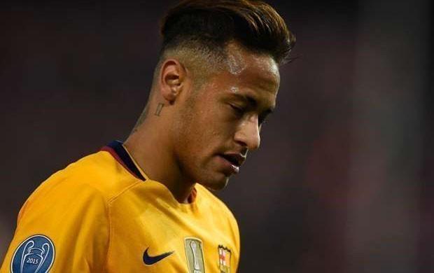 Neymar sevgilisindən ayrıldı