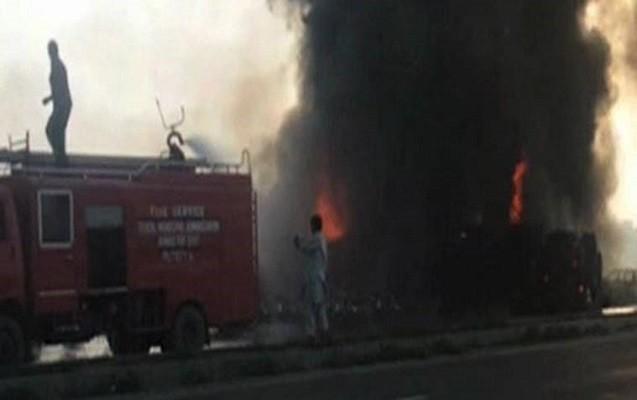 Pakistanda tanker partladı