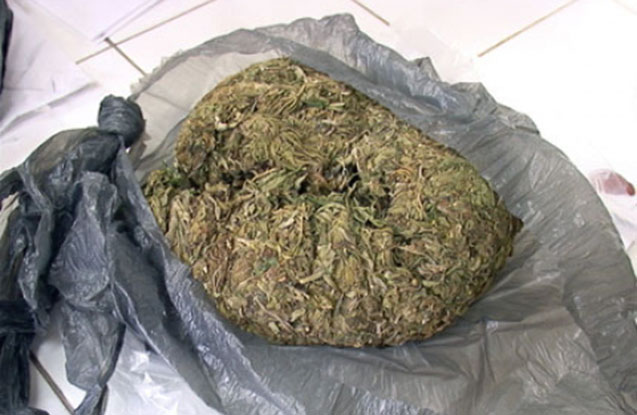 Üzərindən yarım kilo marixuana çıxdı