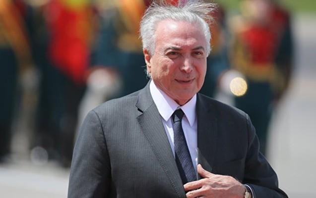 Adı korrupsiyada hallanan prezident G20 səfərini ləğv etdi