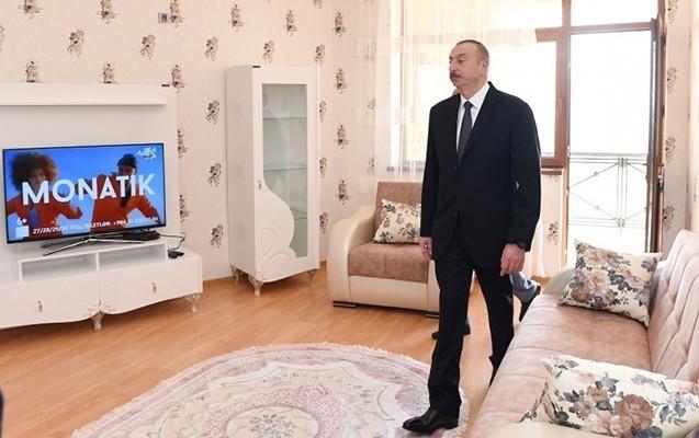 Prezident jurnalistlərlə görüşdü