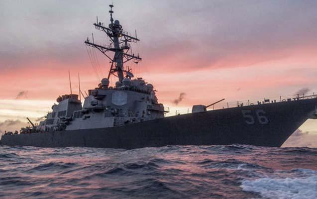 ABŞ-a aid döyüş gəmisi ilə neft tankeri toqquşub