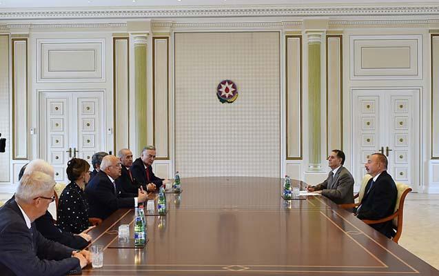 İlham Əliyev sabiq prezidentlərlə görüşüb