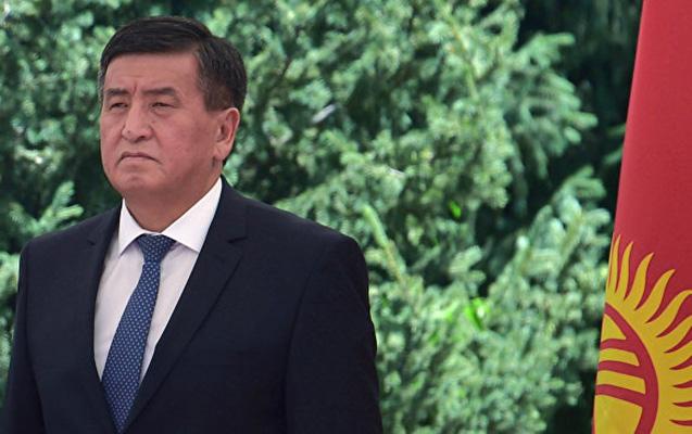 Atambayev baş naziri istefaya göndərdi