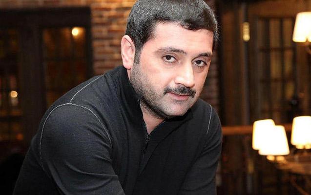 Müğənni İzzət Bağırov ile ilgili görsel sonucu