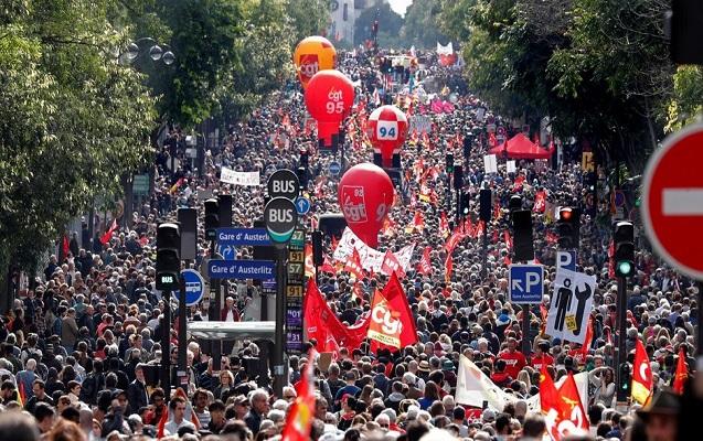 Parisdə minlərlə insan aksiya keçirir