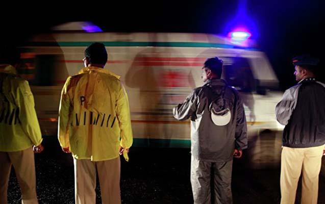 Hindistanda 60 nəfərin olduğu qayıq batıb