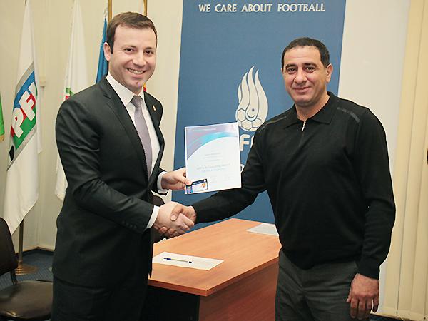AFFA milliyə yeni baş məşqçi təyin etdi