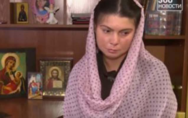 Azərbaycanlı oliqarxın oğlu birgə yaşadığı qadını iki uşaqla küçəyə atıb