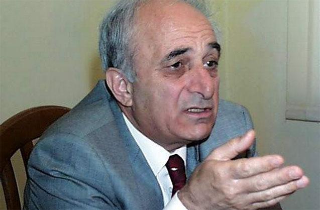 Rafiq Əliyev Paşazadəni ittiham etdi