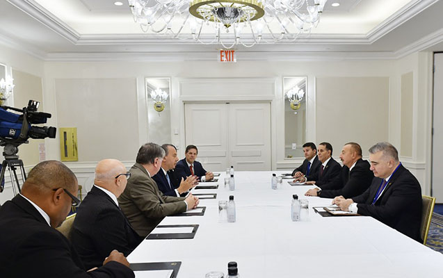 Prezident ABŞ-da görüşlərə başladı