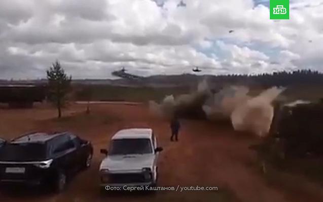 Rusiyada vertolyot səhvən tamaşaçılara raket buraxdı
