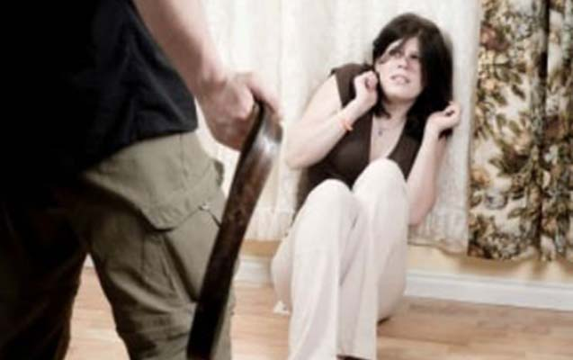 Türkiyəli kişi Bakıda sevgilisini döydü