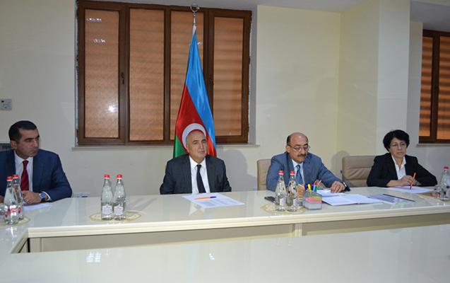 Qarayev vətəndaşlarla görüşdü