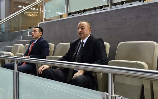 İlham Əliyev voleybolu izlədi