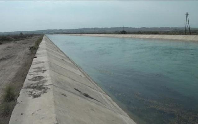 Yevlaxda hərbiçi güllələnərək kanala atılıb