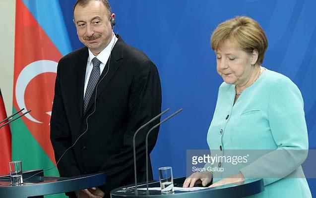 Əliyevdən Merkelə təbrik məktubu