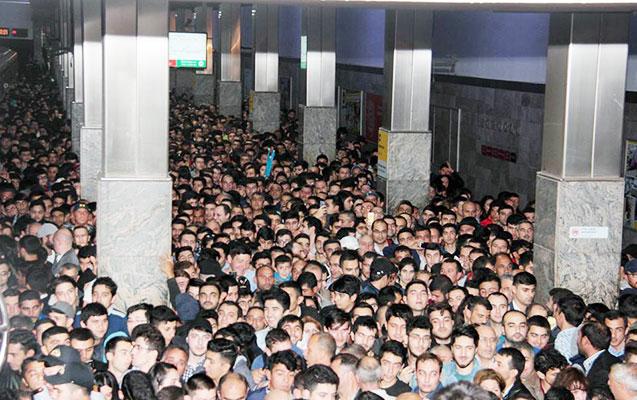 Metrodan istifadə edənlərin sayı artıb