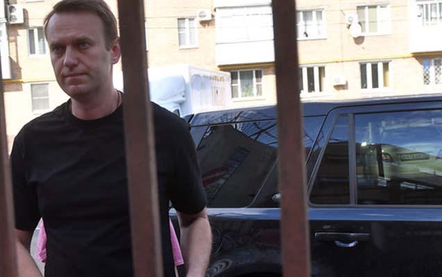 Navalnı həbsdən çıxdı