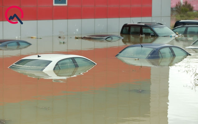 """Suyun altında qalan maşınlar """"Bank Standard""""ın imiş"""