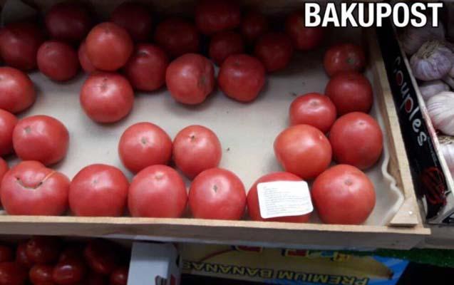 Azərbaycanlı Kəlbəcərdə yetişdirdiyi pomidoru Moskvada satır - Foto