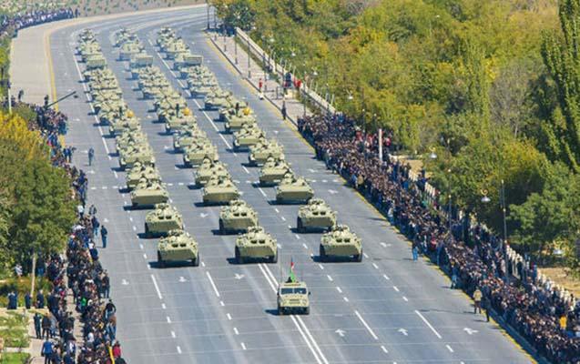 Naxçıvanda hərbi parad keçirildi — Fotolar