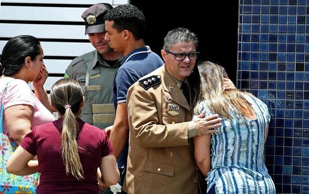 Braziliyada şagird sinif yoldaşlarını güllələdi