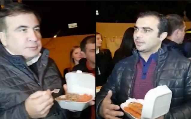 Saakaşvili mitinq şəhərciyində Hikmət Cavadovla şam etdi