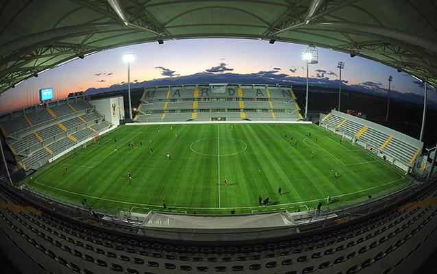 Azərbaycanlı iş adamının stadionu satışa çıxarıldı