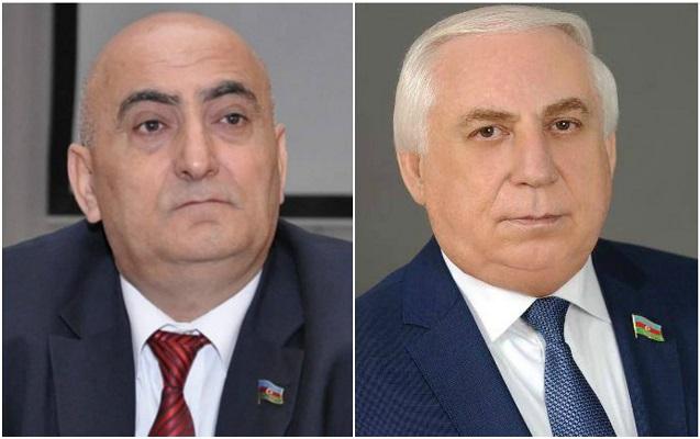 İlham Əliyev deputatları təltif etdi
