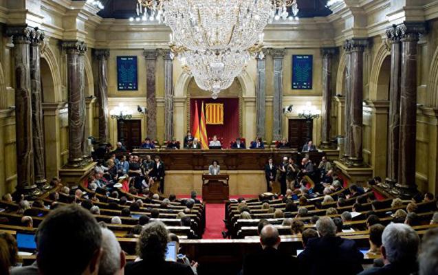 İspaniya Kataloniya hökumətini buraxdı