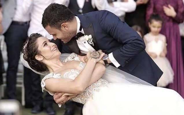 """""""Kırgın Çiçekler""""in aktrisası hamilədir"""