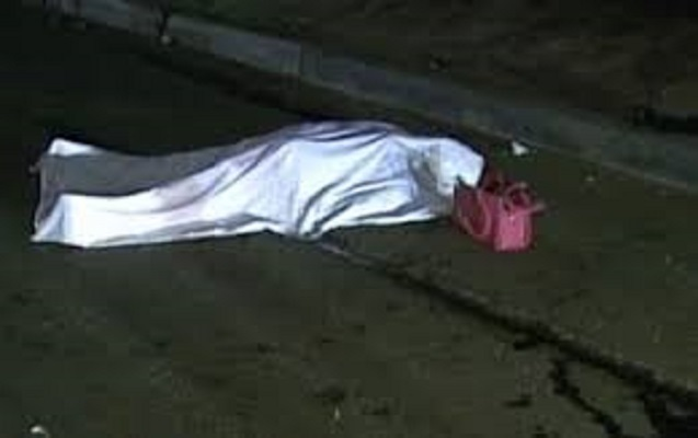 """Bayraq Meydanının qarşısında qəza - """"Land Rover""""lə qadını vurub öldürdü"""
