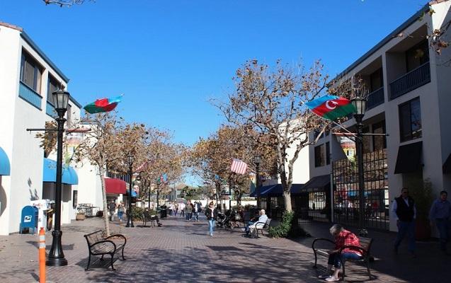 Monterey şəhəri Azərbaycan bayrağı ilə bəzədildi - Video