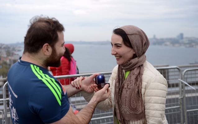 İstanbul marafonunda Aynura evlilik təklifi etdi
