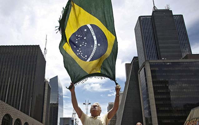 Braziliyada abortlar istisnasız qadağan edildi, qadınlar küçələrdə
