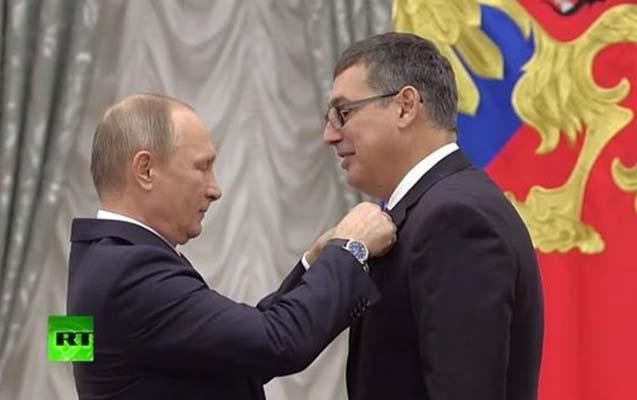 Putin İlqar Məmmədovu təltif etdi