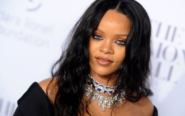 Rihanna toya hazırlaşır
